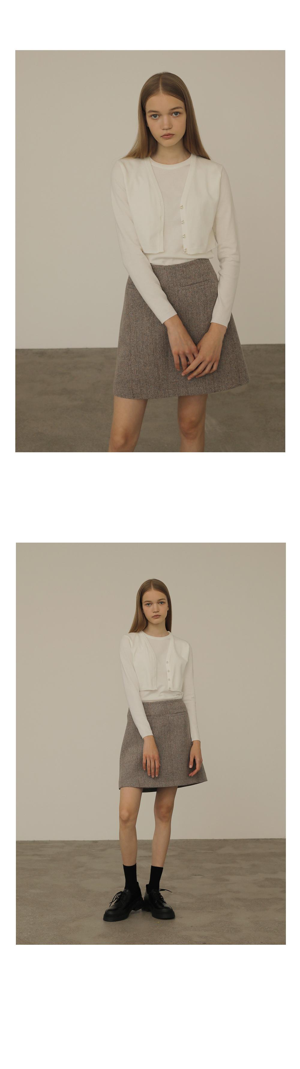 긴팔 티셔츠 모델 착용 이미지-S1L6